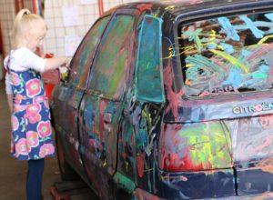 Auto beschilderen op Taste of Life event Bart Ebben Citroen Peugeot autodemontage Malden - Nijmegen
