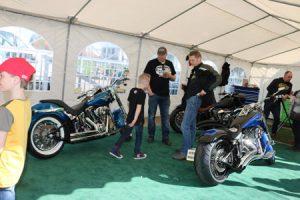 Harley Davidson motoren op Taste of Life event Autobedrijf Bart Ebben Malden - Nijmegen