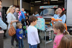 Schminken en balonnen vouwen op Taste of Life event Autobedrijf Bart Ebben Malden - Nijmegen