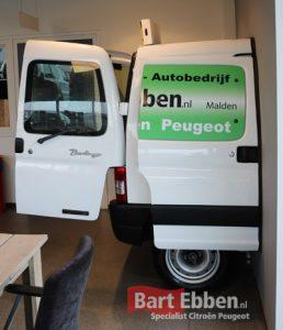 Automotive Eyecatcher op maat in uw koffiehoek showroom ontvangstruimte woonkamer of tuin - Citroen Berlingo- Peugeot Partner