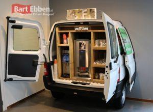 Koffiehoek Citroen Berlingo laadruimte bij Autobedrijf Bart Ebben