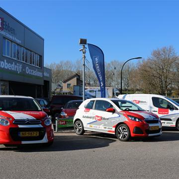 Bart Ebben levert Peugeot 106 wagenpark aan Montessori Games