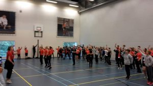 Global Montessori Games sporten - dans in de sporthal in Nijmegen